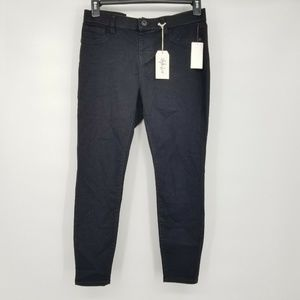Style & Co 10P Black Skinny Jeans 8BF18
